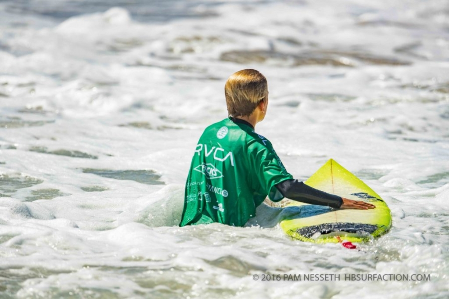 Brave young men conquered the energetic wave